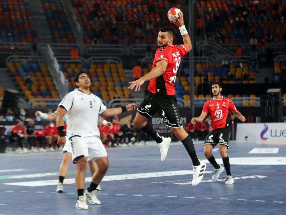 Egypten indledte VM på hjemmebane med en sikker sejr over Chile.