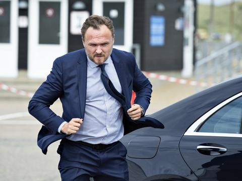Klimaminister Dan Jørgensen (S) bør tage stilling til, om der skal gives tilladelser til yderligere udvinding af olie i Nordsøen, mener støttepartier og grønne organisationer. (Arkivfoto)