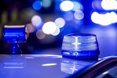 Sydøstjyllands Politi arbejder lørdag morgen på højtryk for at finde ud af, hvorfor en 19-årig mand natten til lørdag blev dræbt med flere knivstik. (Arkivfoto).