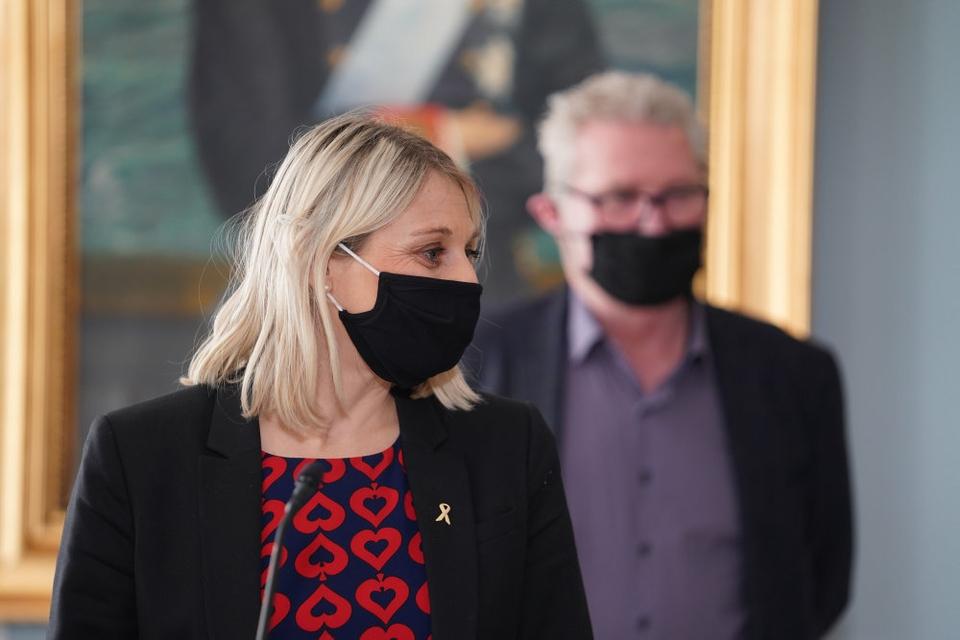 Forsvarsminister Trine Bramsen og partierne i forsvarsforligskredsen (V, DF, RV, K, LA) holder pressemøde på baggrund af indgåelsen af en politisk aftale om Arktis Kapacitetspakke på Kastellet i København torsdag den 11. februar 2021.