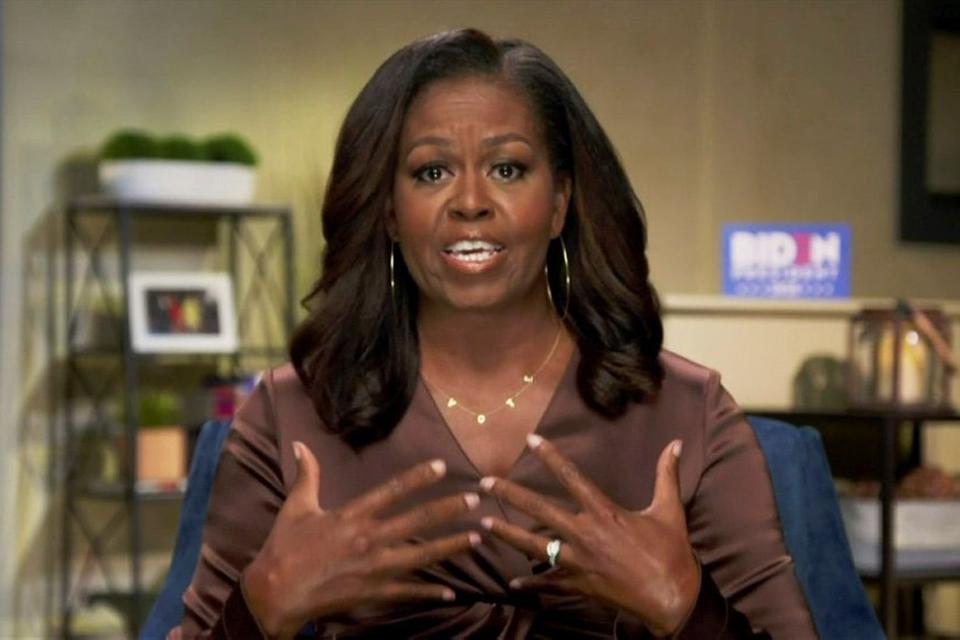 Michelle Obama er en af adskillige prominente personer, som taler ved konventet, der slutter torsdag.