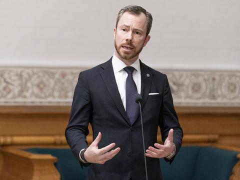 Venstres formand, Jakob Ellemann-Jensen, hæfter sig ved, at Inger Støjberg har beklaget fejl, og at hun ikke selv direkte gav ulovlig ordre om at adskille asylpar, hvoraf den ene var mindreårig. (Arkivfoto).