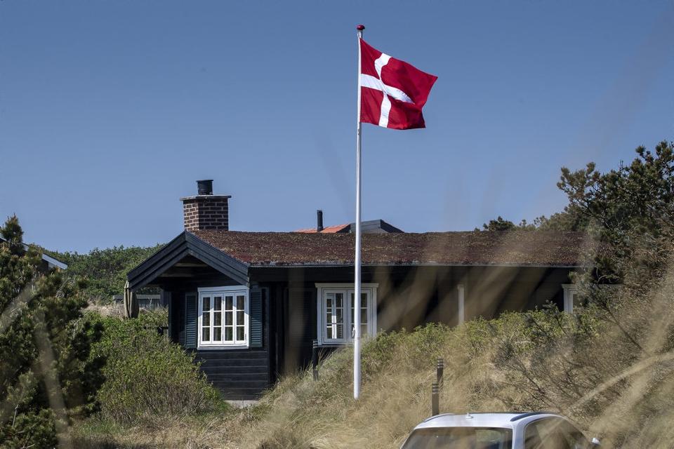 Mange tyske turister nyder at holde ferie i Danmark. Her er det i Vejers i Varde Kommune. (Arkivfoto)