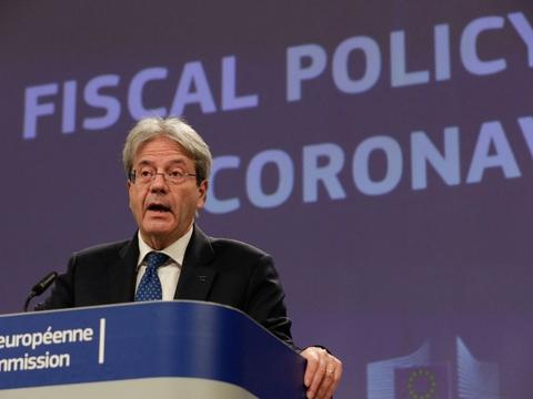 - Det er klart, at finansiel støtte vil blive nødvendig i 2022. Det er bedre at være på den sikre side ved at gøre lidt for meget end for lidt, siger EU's økonomikommissær, Paolo Gentiloni, i en skriftlig meddelelse.