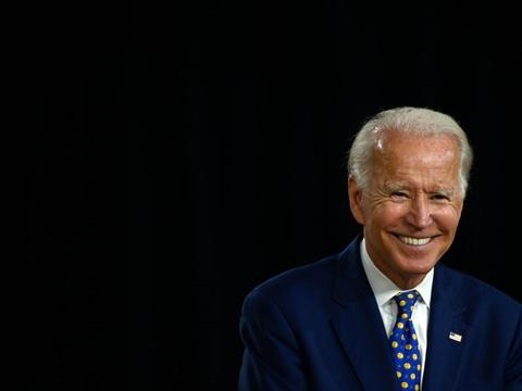 Joe Biden kommer ikke til at deltage i Demokraternes partikonvent i Milwauke, hvor han formelt skal kåres til sit partis præsidentkandidat. Det siger talsmænd for partiet i en presseerklæring.