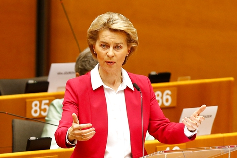 European Commission President Ursula von der Leyen addresses the Plenary of the European Parliament, amid the coronavirus disease (COVID-19) outbreak, in Brussels. (Foto: Johanna Geron/Reuters/Ritzau Scanpix)