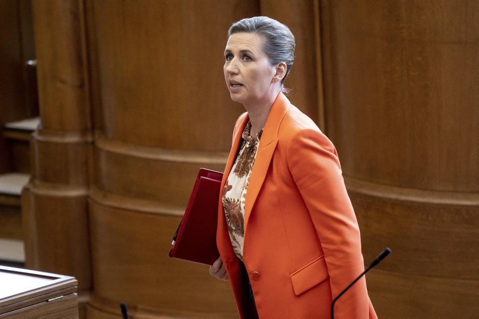 Statsminister Mette Frederiksen (S) under afslutningsdebat i Folketinget på Christiansborg i København.