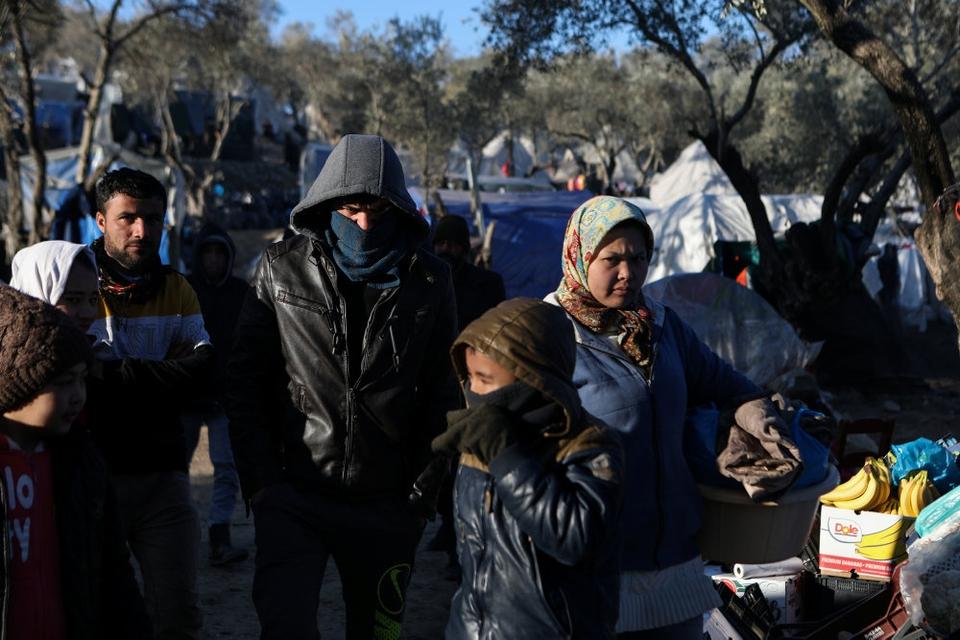 Flygtninge og migranter i Moria-lejren på Lesbos. I Moria er der over 19.000 asylansøgere, men kun kapacitet til at tage imod 2840.