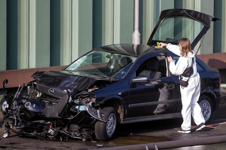 """Anklagemyndigheden i Berlin siger, at en mand begik en """"islamistisk handling"""", da han med fuldt overlæg forårsagede flere trafikulykker på motorvejen i Berlin hvorved seks personer blev kvæstet. (Foto: Odd Andersen/AFP/Ritzau Scanpix)"""