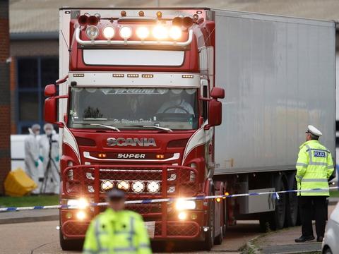 39 vietnamesiske migranter blev i oktober sidste år fundet døde i denne lastbil i Essex i England (Arkivfoto).
