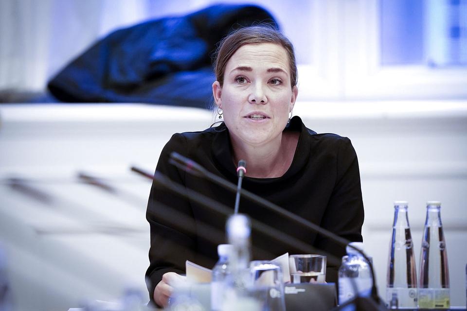 (ARKIV) Social- og indenrigsminister Astrid Krag (S) er i samråd om prostitution, på Christiansborg onsdag den 27. november 2019. Udsatte børns indflydelse på deres eget liv skal øges, og økonomien i kommunerne må ikke afgøre, om et barn skal anbringes, lyder det fra regeringen. Det skriver Ritzau, mandag den 13. januar 2020. (Foto: Liselotte Sabroe/Ritzau Scanpix)