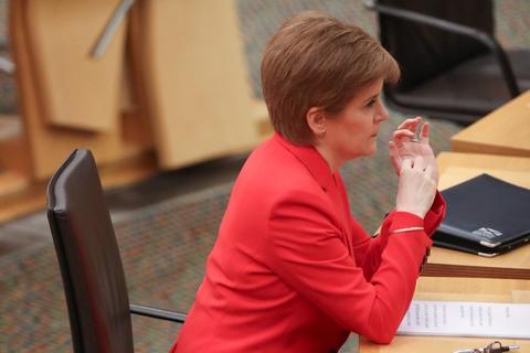 Skotlands førsteminister, Nicola Sturgeon, siger til BBC, at hvis Skotlands Nationalparti vinder det skotske parlamentsvalg i maj, så skal der være en folkeafstemning om uafhængighed. (Arkivfoto)