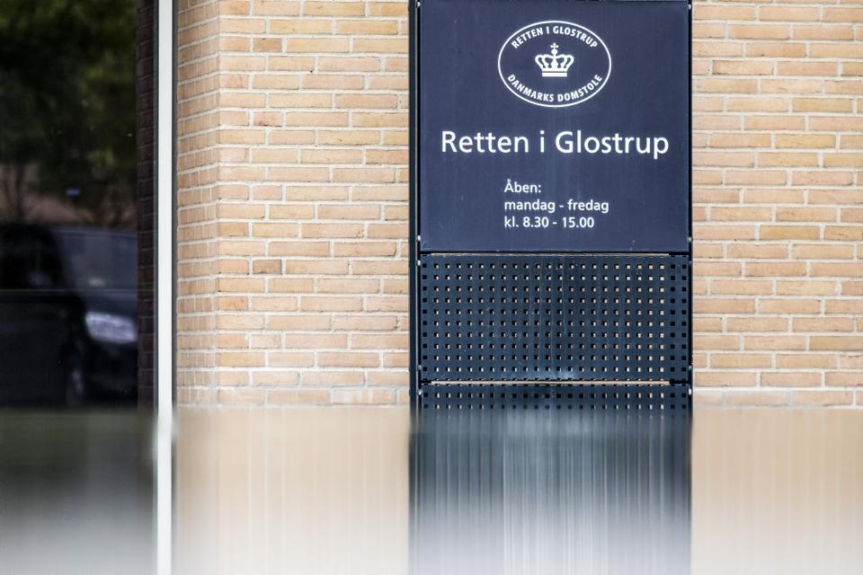 Ved Retten i Glostrup er en 56-årig hollandsk mand blevet varetægtsfængslet frem til 11. februar. Han er sigtet for at have indsmuglet og overdraget flere hundrede kilo narko i Danmark og Sverige. (Arkivfoto)