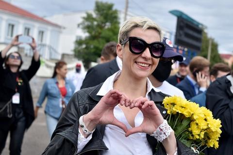Maria Kolesnikova, der er kampagneleder for oppositionspolitikeren Viktor Babaryko, er blevet en af lederne af de igangværende protester mod Aleksandr Lukasjenkos regime i Hviderusland. Dette foto er taget under en demonstration i slutningen af juli. Hun blev fængslet for en uge siden efter at have modsat sig en tvungen udvisning af Hviderusland.