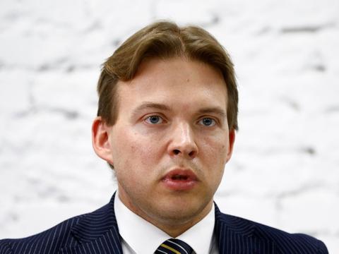 Maskerede mænd trængte onsdag morgen ind i advokaten Maxim Znaks kontor i Minsk og førte ham væk. Han er medlem af den hviderussiske oppositions koordinationsråd.