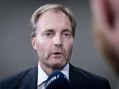 Dansk Folkepartis Peter Skaarup skal onsdag til forhandlinger om en flerårsaftale for politiet. (Arkivfoto)