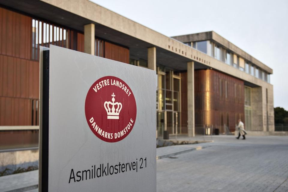Vestre Landsret stadfæstede torsdag Retten i Hernings dom på 13 års fængsel til to drabsmænd. (Arkivfoto)
