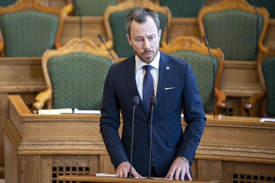 Venstres formand Jakob Ellemann-Jensen foreslår at fremrykke skattelettelser for 4,5 milliarder kroner. (Arkivfoto)