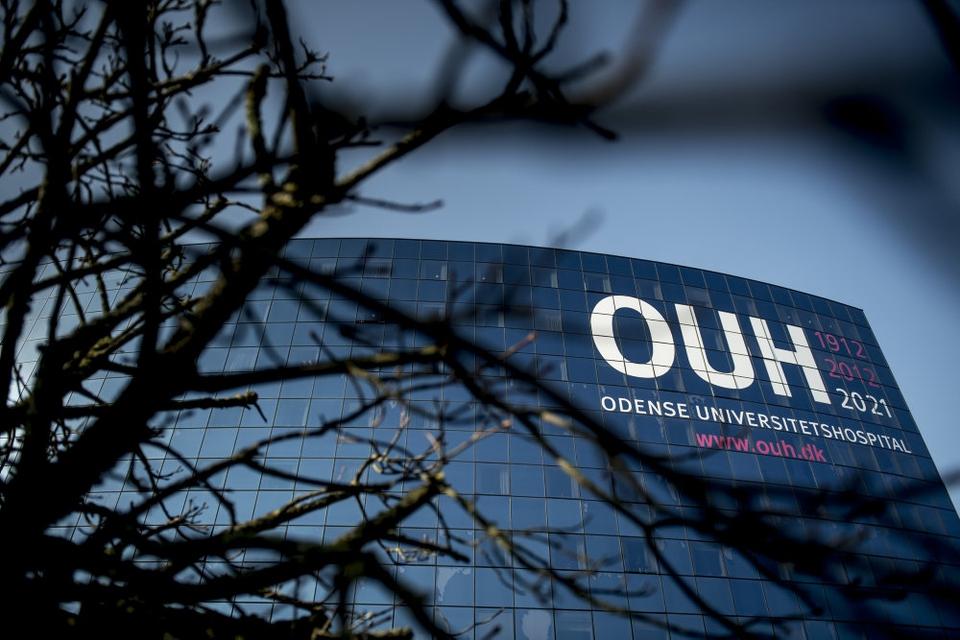 Odense Universitetshospital begrænser adgangen for pårørende på grund af den seneste tids smittespredning i Odense. (Arkivfoto)