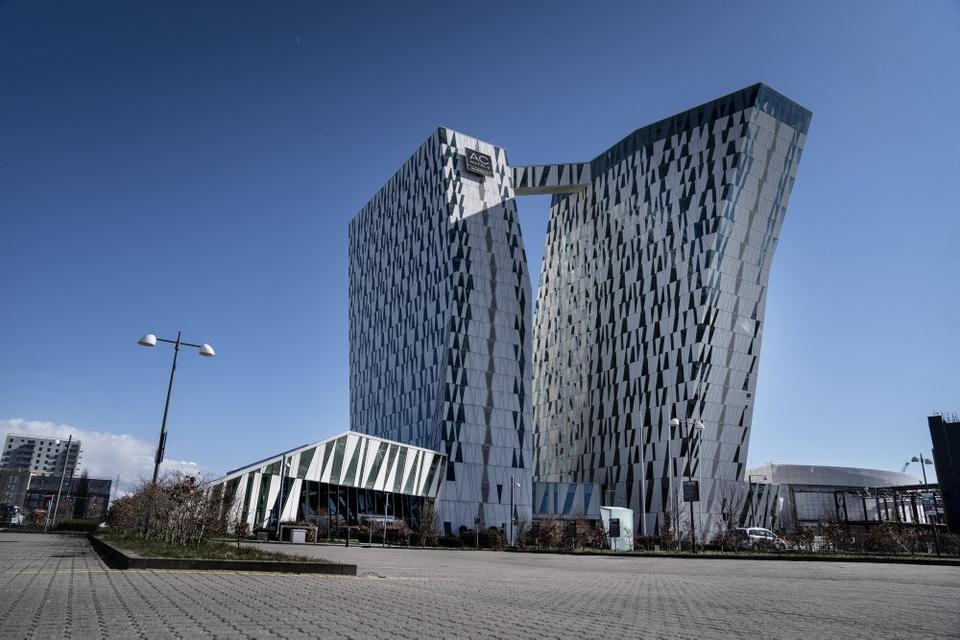 Overnatninger på danske hoteller er faldet 63 procent i marts til 431.100. Her ses Bella Sky i København. (Arkivfoto)