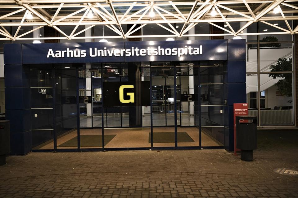 En dansk mand blev tirsdag indlagt i isolation på Aarhus Universitetshospital. Det viser sig dog, at han ikke er smittet med coronavirus.