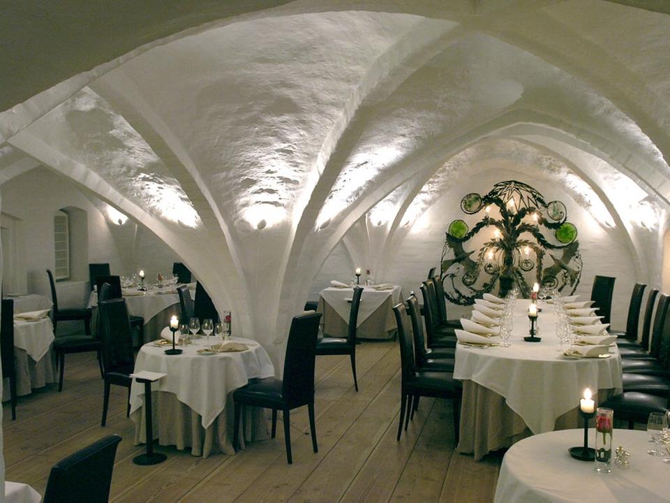 Restaurant Kong Hans spiller en væsentlig rolle i en sag, hvor en middag på restauranten for ti år siden torsdag har udløst en dom til en soldat. (Arkivfoto)