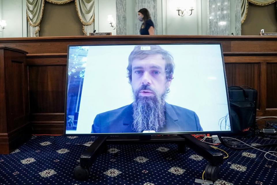 Topchefen i Twitter, Jack Dorsey, var en af hovedpersonerne ved en ophedet debat om ytringsfirhed ved en senatshøring onsdag.