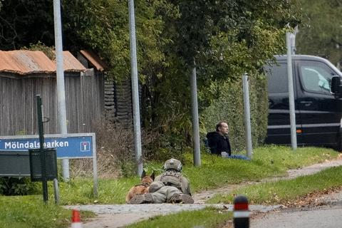 Drabsdømte Peter Madsen brød tirsdag ud af Herstedvester Fængsel. Efter få minutter var han dog fanget igen.