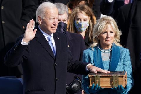 Joe Biden er onsdag taget i ed som USA's 46. præsident ved en ceremoni i den amerikanske hovedstad, Washington D.C.