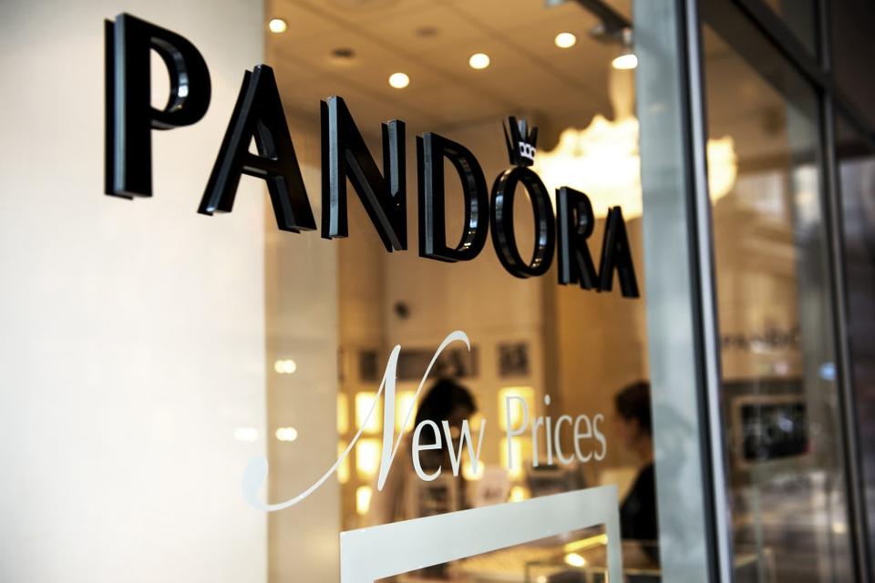 Mange af Pandoras butikker har været lukket som følge af coronakrisen. (Arkivfoto)