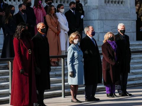 Obama-parret, Bush-parret og Clinton-parret deltog onsdag i indsættelsen af Joe Biden som USA's 46. præsident.