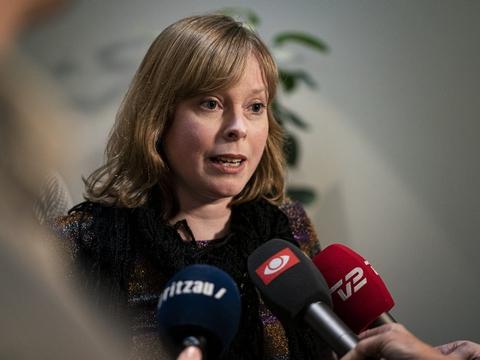 Der var ikke hjemmel til at kræve hjemsendelse af en række medarbejdere på TV 2 og hos Danmarks Radio, indrømmer kulturminister Joy Mogensen (S). (Arkivfoto)