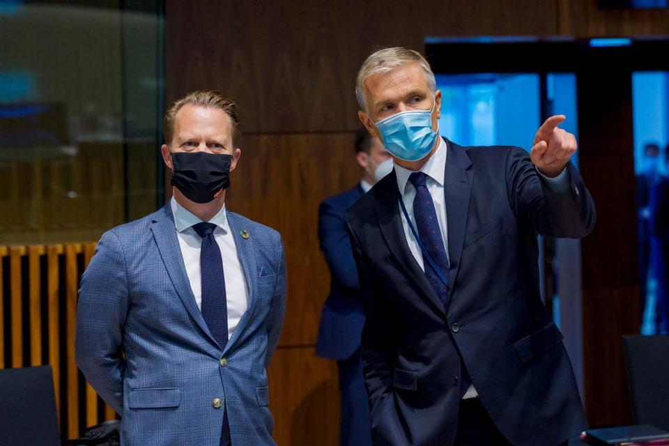 - Vi er ved at studere DR-dokumentaren nærmere. Er der begået noget ulovligt i Danmark, så er det et anliggende for politiet i Danmark, siger udenrigsminister Jeppe Kofod (S).