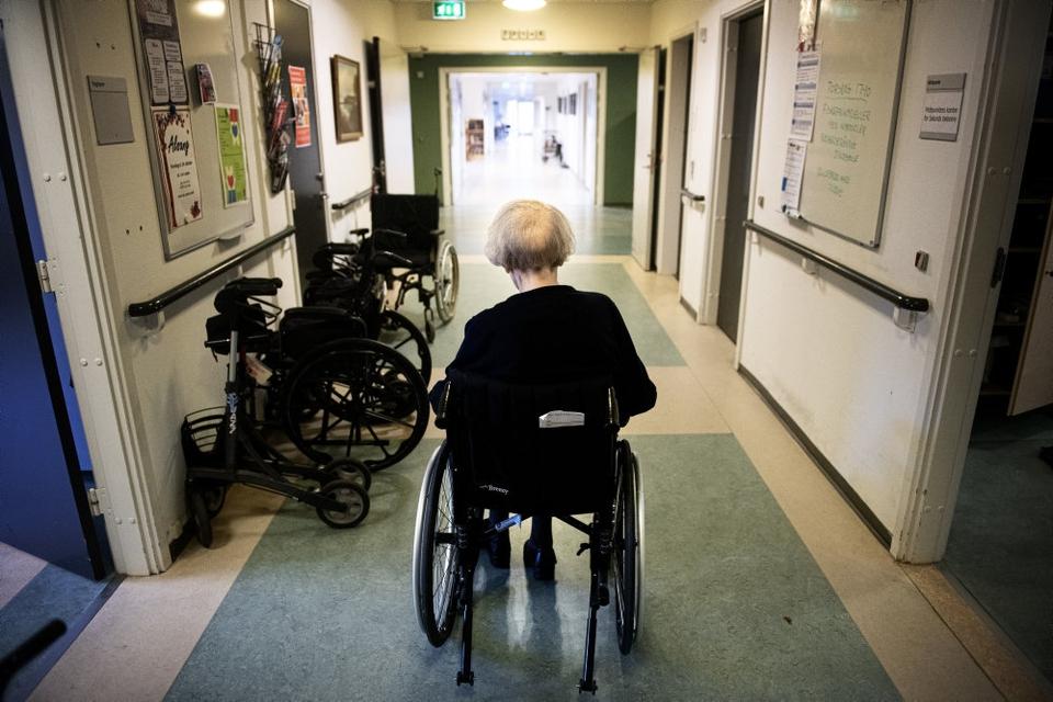 Coronasmitten på landets plejehjem er stadig på et af de højeste niveau under epidemien. (Arkivfoto)