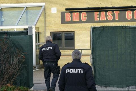 I løbet af ti år har flere end 200 forladt rocker- og bandemiljøet via et exitforløb. Her ses politiet ved en rockerborg i Hillerød, som blev lukket efter et drab i begyndelsen af januar 2020.