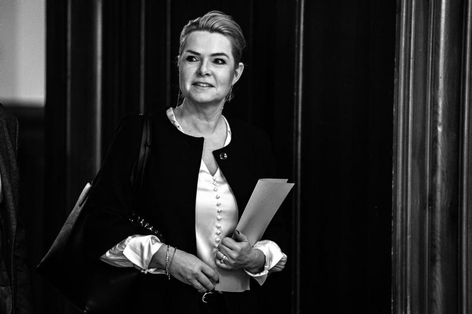 Inger Støjberg (V) skal for en rigsret. Det står fast, efter at alle partier i rød blok stemmer for.
