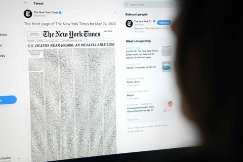 1000 forskellige nekrologer pryder tre sider i The New York Times' søndagsudgave.