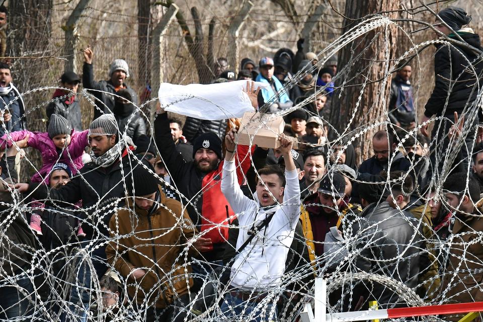 Tyrkiet har åbnet sine grænser, og det skaber bekymring for en ny migrantkrise. (Foto: Alexandros Avramidis/Reuters/Ritzau Scanpix)