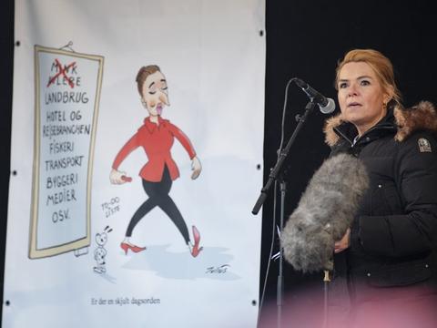 Næstformand Inger Støjberg (V) ses her ved demonstrationen mod regeringen lørdag i Aarhus, hvor hun kom med en udtalelse om statsminister Mette Frederiksen (S), der har vakt forargelse på Christiansborg.