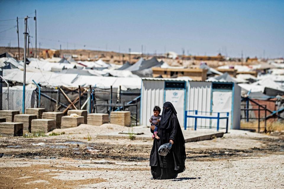 Regeringen har efter pres fra sine støttepartier, og efter at en taskforce har arbejdet, besluttet sig for at ville hente tre danske mødre og deres 14 børn hjem fra to fangelejre i Syrien. (Arkivfoto)