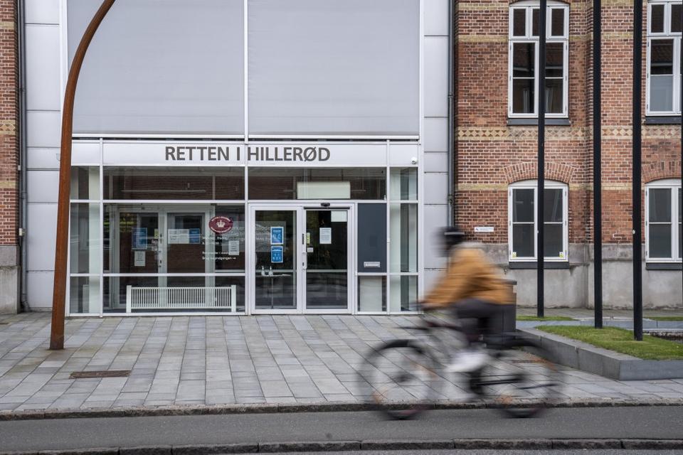 Retten i Hillerød afgjorde tirsdag, at en 31-årig mand kendt fra det højreradikale miljø skal idømmes tre års fængsel for at forsøge at fremstille en bombe og et hjemmelavet skydevåben. (Arkivfoto).