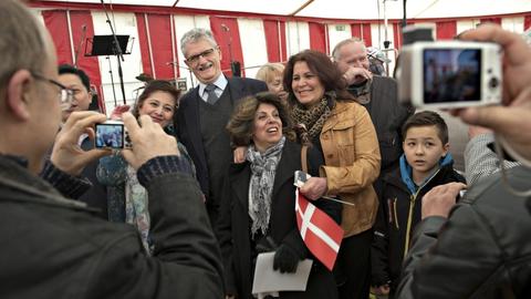 Folketinget udskyder den årlige festdag, hvor nye statsborgere og deres ledsagere inviteres til fest på Christiansborg sammen med en række folketingsmedlemmer. (Arkivfoto).