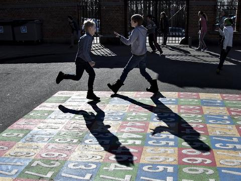 275 millioner kroner skal gå til at sikre flere lærere i folkeskolen. (Arkivfoto)