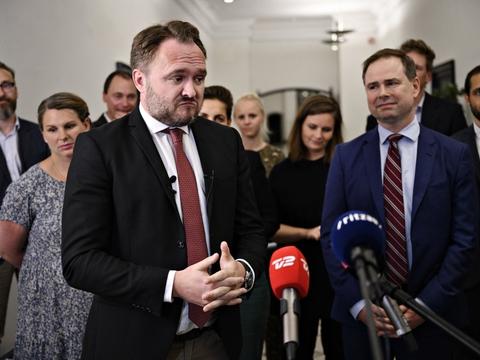 Der er stadig lang vej for klimaminister Dan Jørgensen (S) og de andre partier i Folketinget, hvis man skal nå målet om 70 procent CO2-reduktion i 2030.