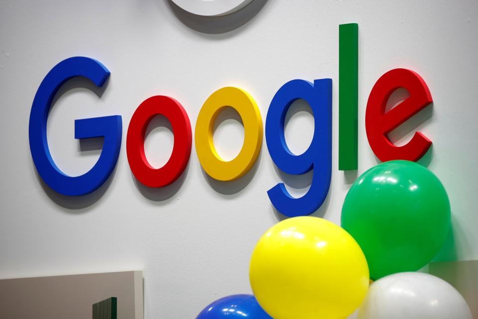 Selskabet bag Google, Alphabets, aktier er steget med otte procent i 2020.