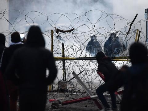 Grækenland har siden lørdag kæmpet med store flygtningestrømme fra Tyrkiet. (Foto: Ozan Kose/AFP/Ritzau Scanpix)