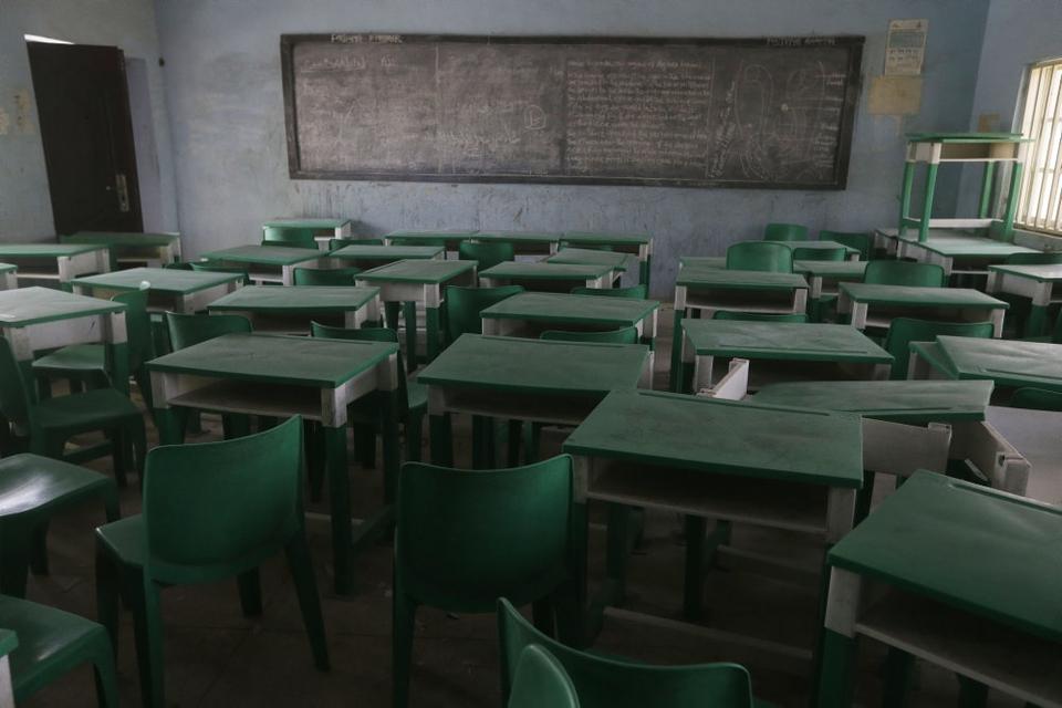 De hundredvis af unge piger blev i sidste uge bortført fra denne skole i det nordvestlige Nigeria.