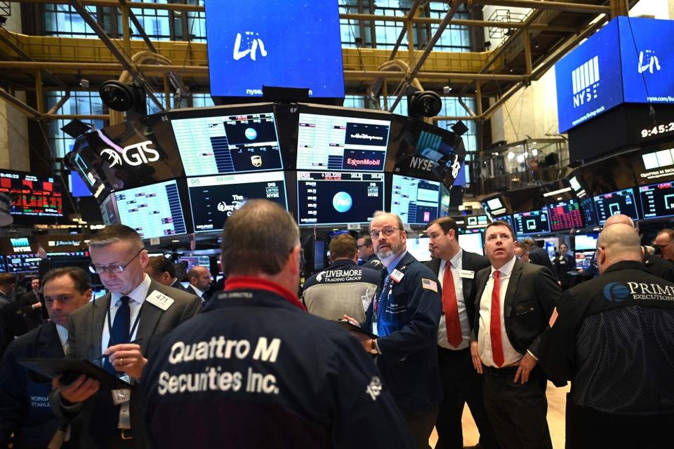 Aktiehandlerne i USA har tirsdag været vidne til nogle massive stigninger på udsigten til en enorm hjælpepakke. (Arkivfoto)