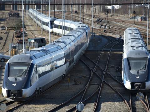 Der kører igen tog på strækningen mellem Nivå og Helsingør, oplyser DSB. Togtrafikken blev indstillet onsdag morgen på grund af en personpåkørsel. (Arkivfoto)