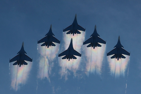 Russiske kampfly ses her over Moskva i slutningen af august.